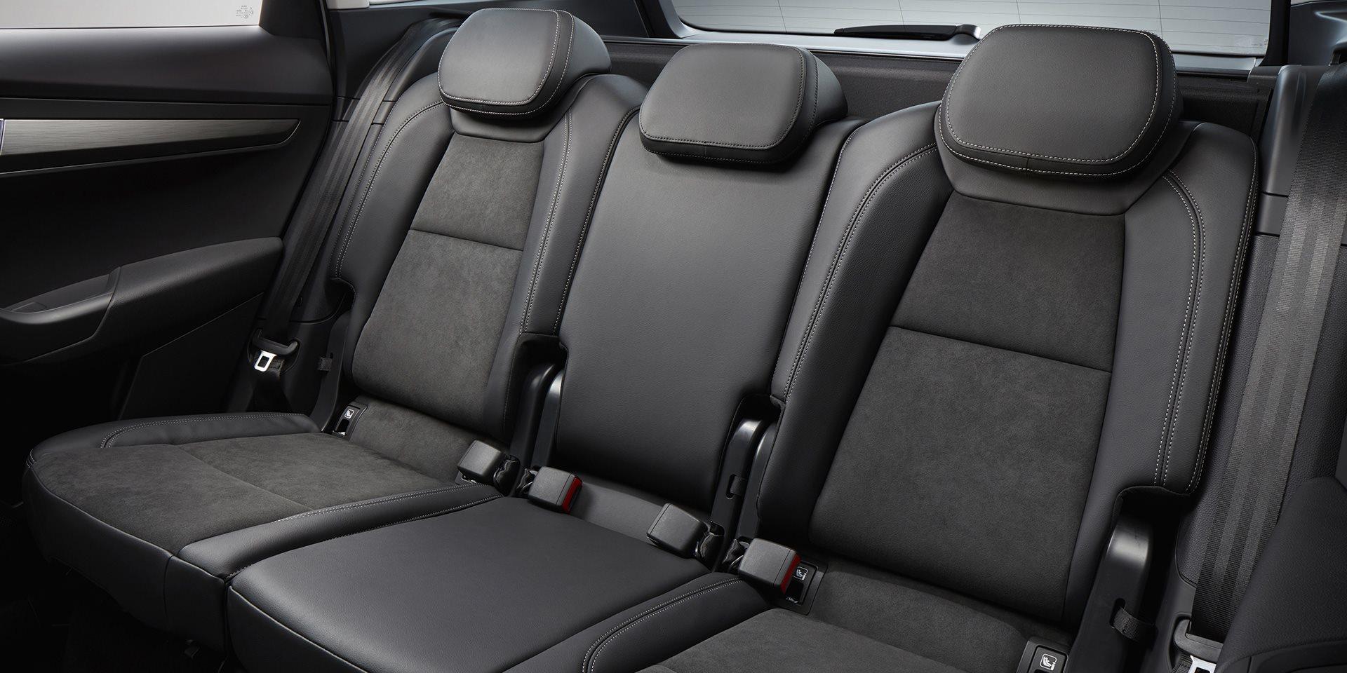 skoda-karoq-m68-interior-03.3dac9197e078243173361cc58bedbc21.fill-1920x960